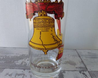 Vintage Bicentennial Celebration 1776 1976 Drinking Glass Tumbler Liberty Bell Feather Pen In Congress July 4 Declaration of Independence