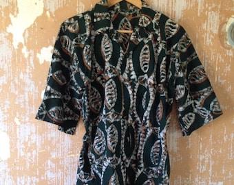20% OFF SALE vintage. 60s Green Batik Print Cotton Sleeveless Top  // S to M