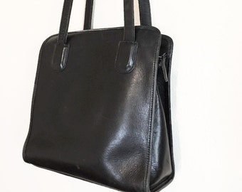 Vintage Black Leather tote bag / handbag