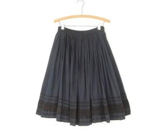 SALE 50s Circle Skirt * Vintage Polka Dot Skirt * Black Lace Applique * Small - Medium
