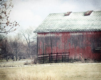 Red Barn Photography, Rustic Red Barn, Rustic Home Decor, Rustic Farmhouse Decor, Barn Picture, Barn Photo