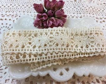 Cream fancy edge Crochet Trim Ribbon- 2 yards (5)