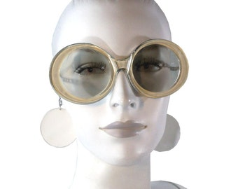 Vintage 60s 70s MOD White Sunglasses with Chains and Circle Disc Earrings Attached / Sun Glasses