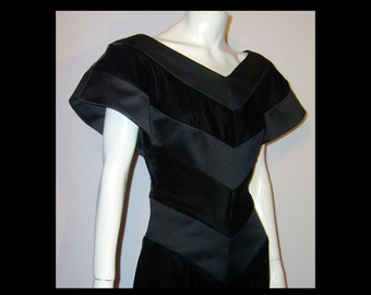 Bombshell jet black rayon velvet & satin chevron stripe wiggle dress ~ 2 4 Small ~ unusual avant garde design ~ Made in USA ~ party evening