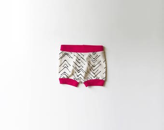 SALE | 50% OFF | Size 0-3 Months | Chevron | Organic Shorties | Shorts | Screen Printed | Organic Baby Clothes | Black & Fuchsia | Hipster