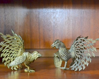 vintage brass fighting rooster figurines / brass animal figurines / vintage metal home decor / fathers day