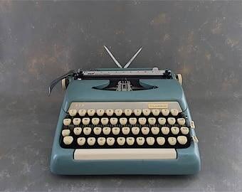 Vintage Typewriter,  Smith Corona, Classic,  1960s, blue