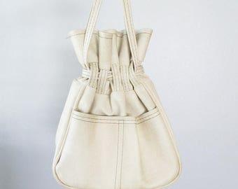 40% OFF SALE Vintage 1970's Beige Tan Purse / Mod Drawstring Pouch Bag / 70's Retro Handbag