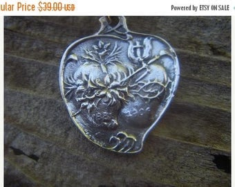 ON SALE Sacred heart necklace in sterling silver