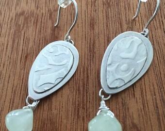 Fresh mint green Dew drop egg sterling silver pattern prehnite earrings
