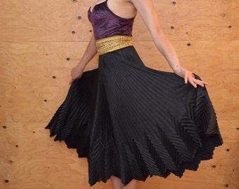 Vintage 80's Black Midi Pleated Avant Grade Skirt Unique Modern Look Size Small