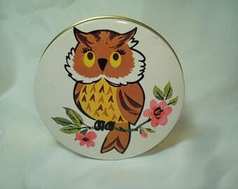 1960s The Tin Box Company DAHER Made in England Round Miniature Owl Tin.