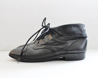 60% off sale // Vintage Ankle Granny Pixie Black Leather Boots // Women 7M // Prima Royale