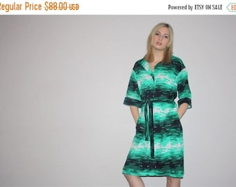 40% Limited time SALE  - Vintage 1960s Green Graphic Ombre Abstract Camo Pattern Dress Dress   -  60s  Dress  -  1960s Shirt Dresses  - W002