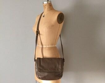 taupe leather messenger purse | stone mountain leather bag