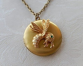 Bee Locket,  Locket Necklace, Vintage Bee, Gift for Her