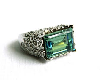 Vintage Sterling Silver Green Faceted Stone Cocktail Ring - Foil Back Stone - Clear Rhinestones - May Birthstone - Size 8 - HIGH END