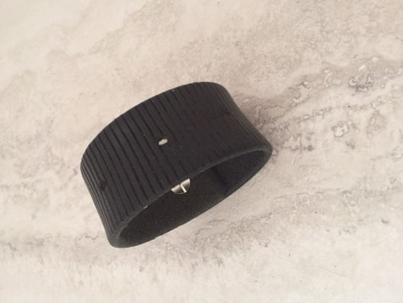 Men's Black Handmade Leather Cuff (Size 7.0 inches)