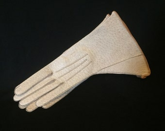 Bone leather vintage 1940s unworn hogskin art deco gauntlet gloves with tan piping - 6 or size S