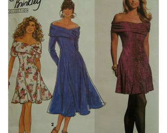 Off Shoulder Dress, Crossed Bandeau Collar, Sleeveless/Sleeves, Gored Skirt, Princess Seams, Simplicity No. 7618 UNCUT Size 4 6 8
