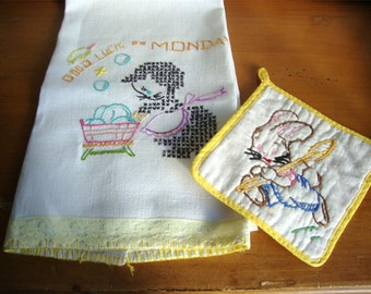 Vintage 1950s Embroidered Kitchen Towel and Pot Holder Set Cute!