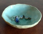 Hand-formed Ceramic Ring Dish, Spice Bowl, Ring Holder, Turquoise Ring Dish, Tea Bag Holder, Pinch Pot, Small Bowl, Ring Bowl, Smudge Pot