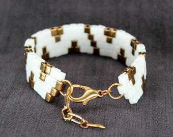 Beaded Bracelet in White & Bronze