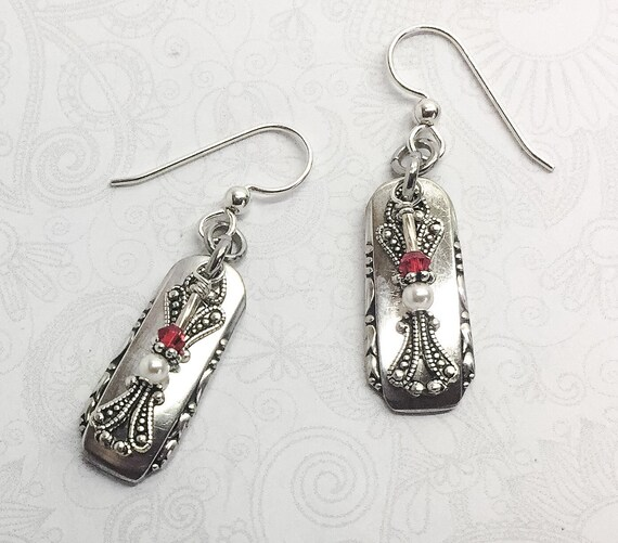 "Spoon Dangle Earrings, Red Swarovski Crystals & white pearls ""Branbury"" 1950"
