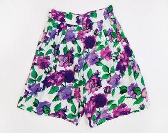 VINTAGE Floral Shorts White Purple Long