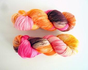 "Hand dyed merino yarn - Light Fingering 3 ply superwash 19 micron merino yarn, Boniqueta base - Colourway ""Macarons"""