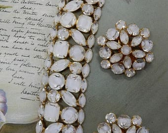 ALICE CAVINESS Signed White Givre Moonglow Bracelet and Clip On Earrings Set    OAH16