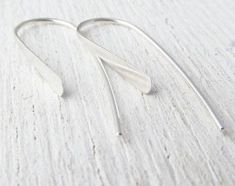 Thin Silver Earrings. Lightweight Argentium Sterling Silver Earrings. Small Modern Hoops. Hammered Wire Earrings. EcoFriendly Earring 105351