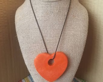 Large heart crayons coloring necklace