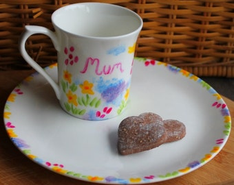 Mum mug and tray gift set hand painted meadow flowers