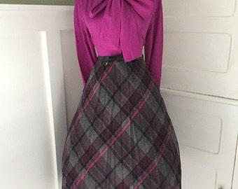 VINTAGE 1960s High Waisted Fuchsia and Gray Plaid Full Pleated Skirt