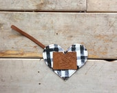 Heart Painted Canvas and Leather Luggage Tag