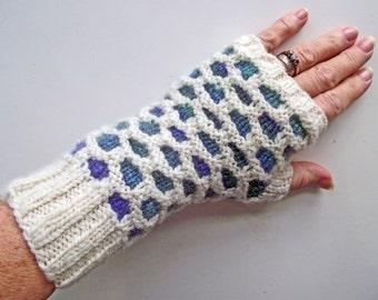 Cream Multi Fingerless Gloves, Handspun Knit Artisan Wristwarmers,  Fingerless Mitts, Texting Gloves, Honeycomb Knitted Gloves, Gift for Her