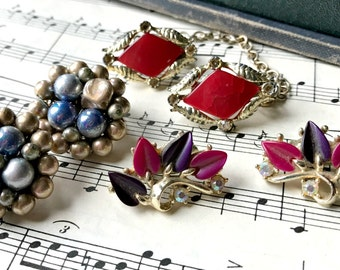 3 Sets Clips / Vintage Cluster Crafting Pieces / Brooch Bouquet Filler / Altered Art or Assemblage Pieces (H6)