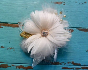 Wrist Corsage,Feather Corsage,Wedding Corsage,Gatsby Wedding,Prom Corsage, Mothers Corsage,Wedding Flowers,YOUR CHOICE COLOR,Vintage Wedding