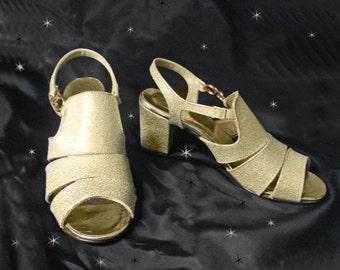 Gold Sandals, 60s Mod Sandals, Gold Lame Sandals, Sling Back, Chunky Heel Sandals, Vintage Gold Sandals, Size 6