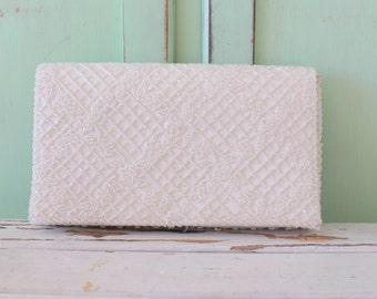 1960s Mid Century Fancy Clutch Purse....glam. gogo. beaded. white. change purse. bag. 1960s accessories. mod. fancy. marilyn monroe. wedding