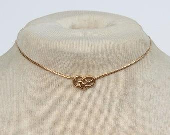 Vintage 1980 Signed Avon Love Knot Goldtone Gold Tone Herringbone Chain Minimalist SHORT Choker Necklace in Original Box with METAL WEAR