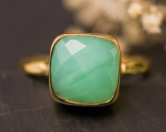 SALE - Chrysoprase Ring - Mint Green Stone Ring - Stacking Ring - Gold Ring - Cushion Cut Ring - Mother's Ring - Solitaire Ring