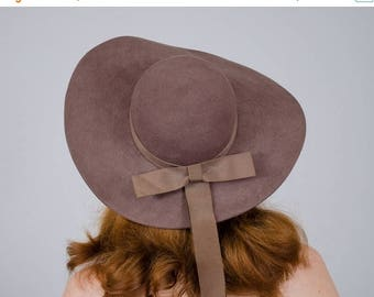 25% OFF SALE / 1970s vintage hat / wide brim brown wool hat / Madcaps