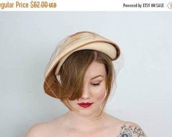 25% OFF SALE / 1950s vintage hat / asymmetrical cream wool hat / veiled toque / Eva Mae