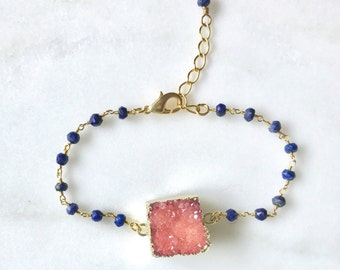 Pink Druzy Bracelet with Lapis Stones in Gold. Beaded Bracelet.  Gemstone Bracelet.  Beaded Bracelet. Gift. Coral Navy Bracelet.