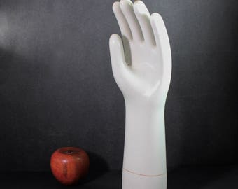1923 Porcelain Hand Glove Mold