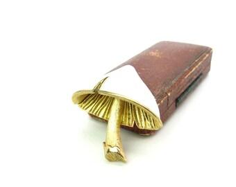Napier Mushroom Brooch. White Enamel, Brushed Gold Tone Figural. 3D Cap. Designer Signed Toadstool. Vintage 1960s Woodland Fashion Jewelry