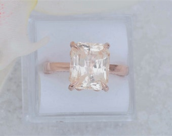 Solitaire Ring Semi Mount in 14k Rose Gold Yellow Gold or White Gold Main Stone Sold Separately