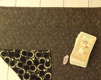 Deco Square Spread Cloth